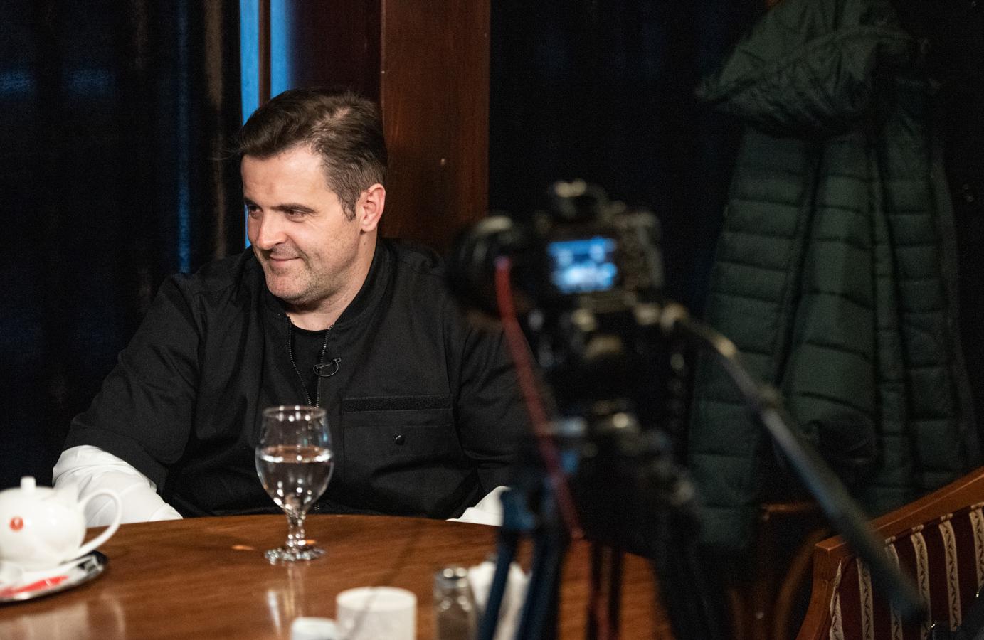 Mădălina Hostiuc, cerută de soție în timpul interviului (fotoreportaj)
