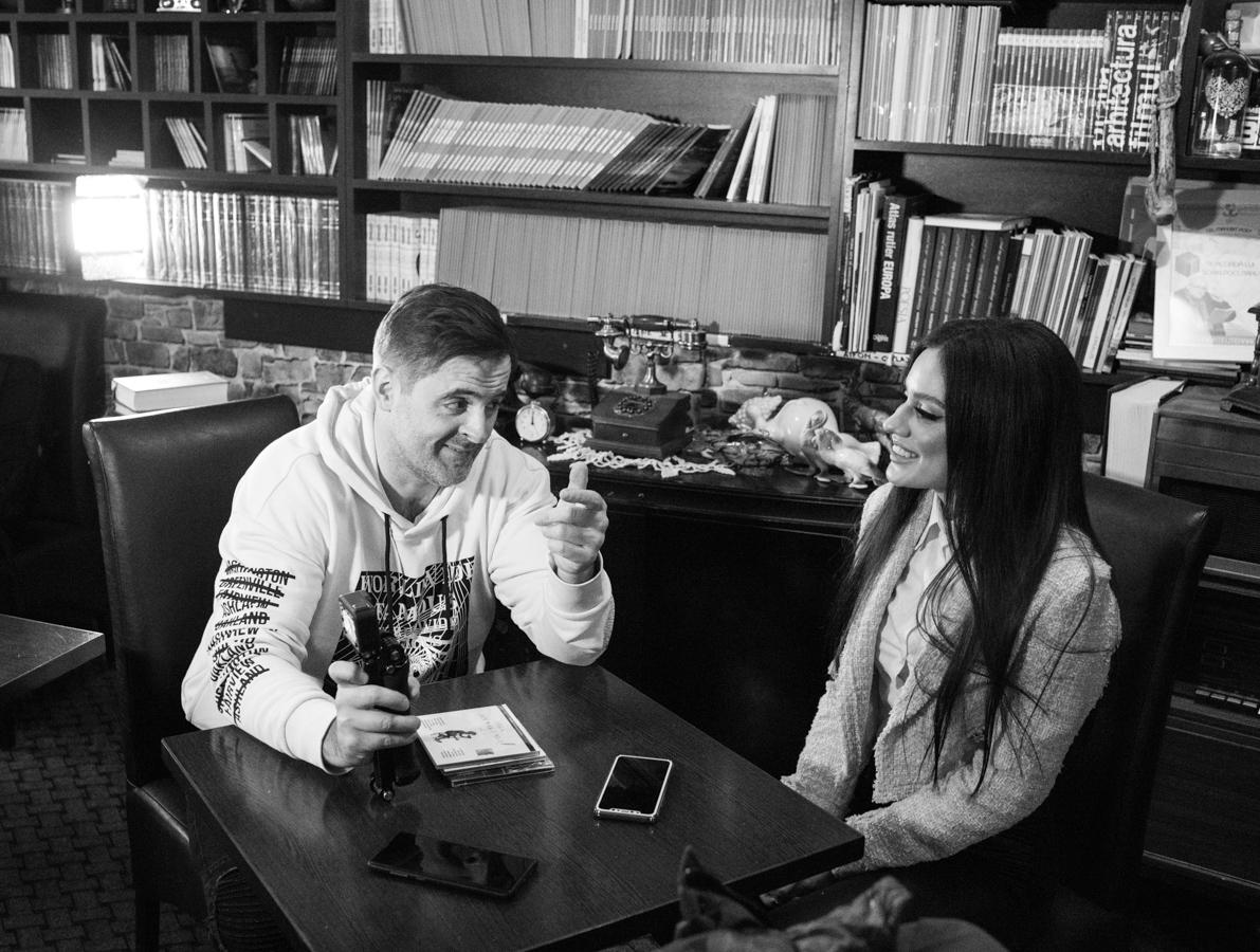 Ștefania Iacob, exotică și (în)cântătoare, în folkul românesc (fotoreportaj)